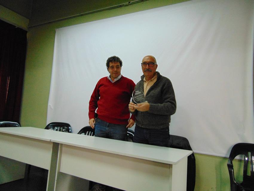 Reconocimiento al compañero Roberto Mandato