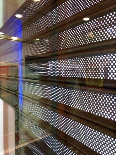Por cambios en la seguridad, la oficina Comercial de Telecom no abrió sus puertas.
