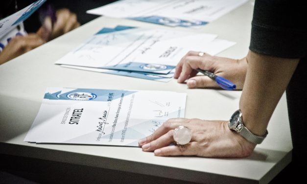 Entrega de Diplomas Curso Nuevas Tecnologías de las Telecomunicaciones.