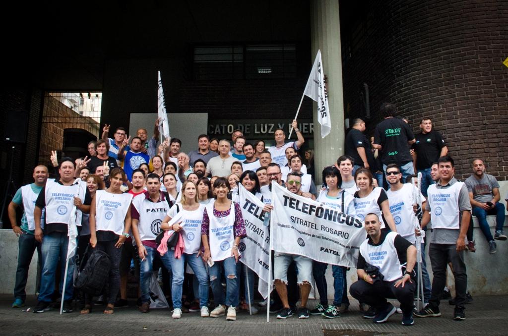 Los Telefónicos presentes en el acto del Movimiento Sindical Rosarino contra el ajuste